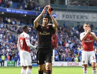 Petr Cech anuncia su retiro del fútbol