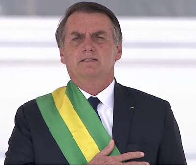 Brasil: Bolsonaro firma decreto que facilita la posesión de armas de fuego