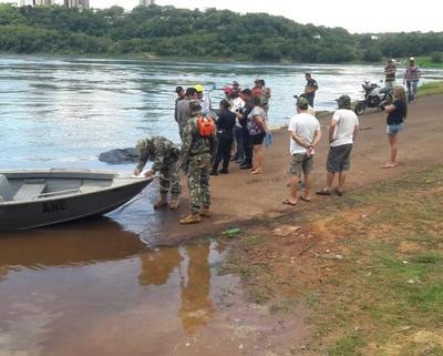 Encuentran cuerpo de un hombre en el rio Paraná