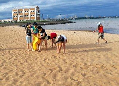 """Lanzan campaña """"En la playa dejá tu huella, no tu basura"""""""