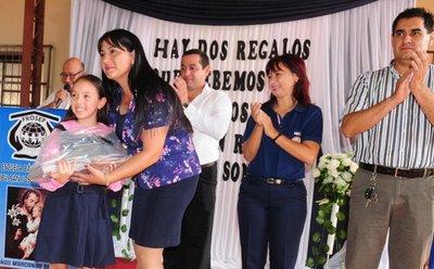 Se inicia entrega de kits escolares en el Ñeembucú