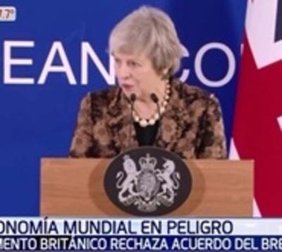 Parlamento británico rechaza por mayoría acuerdo para el Brexit