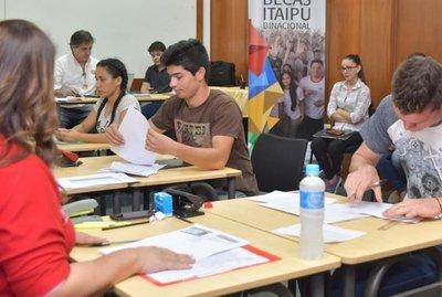 Postulantes a becas ITAIPU podrán inscribirse hasta el 21 de enero