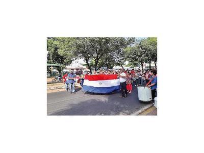 Tekoporã: Siguen protestas por supuestos 1.000 despidos