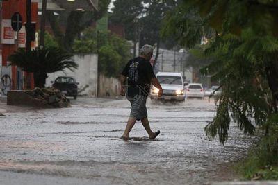 Mitad de semana con lluvias y calor extremo