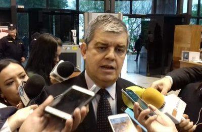 Senador Riera ratificó que hay chantaje legal desde las binacionales