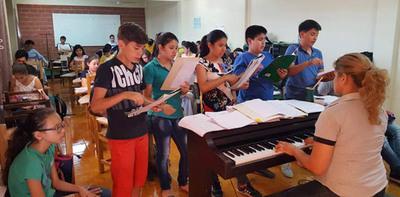 Iniciaron taller de verano en Bellas Artes de CDE