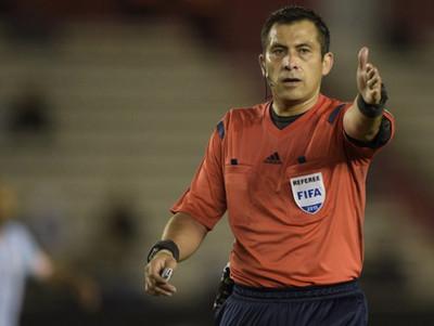 La Conmebol definió el árbitro para el partido de Nacional contra Delfín