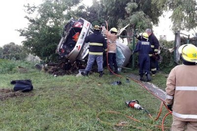 Fallecen dos paraguayos en un accidente vial en Argentina