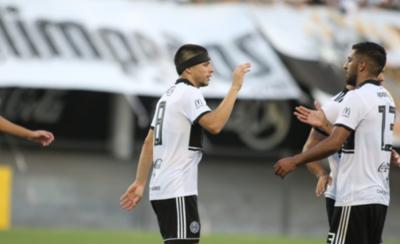 HOY / En su regreso al club marca un gol