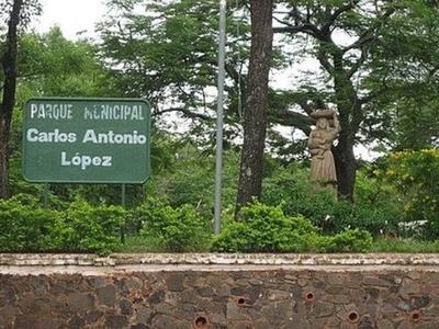 HOY / Hallan cadáver en parque Carlos Antonio López