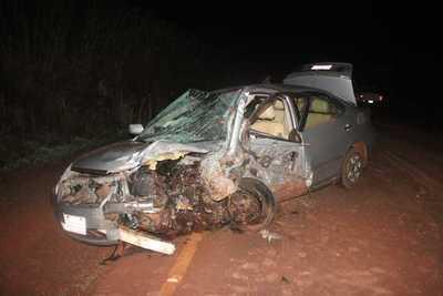 Dos muertos y dos heridos en choque frontal entre automóviles