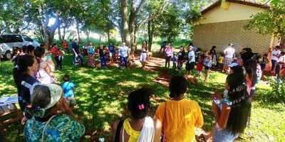 Asisten a comunidad indígena de Mbaracaju