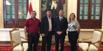 Gobernador y directora de la Cuarta Región Sanitaria hicieron pedidos al presidente
