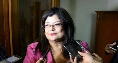 Funcionarios municipales cobran recién sus salarios de diciembre