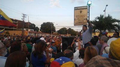 Oposición venezolana toma nuevo aire en empeño por sacar a Maduro