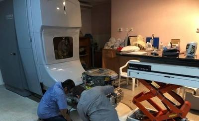 HOY / Equipo de radioterapia del Nacional estará operativo desde mañana, tras 15 días de pausa
