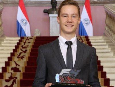 Duerksen sueña con el paso a la Fórmula Uno