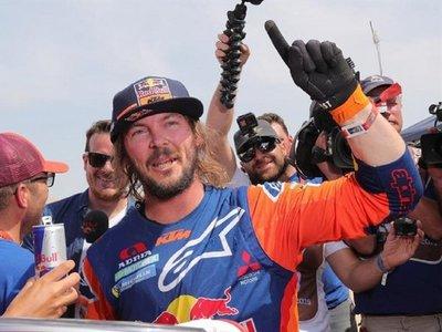 Toby Price, de romperse una pierna a ganar su segundo Dakar