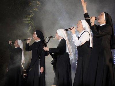 """""""Siervas"""", las monjas rockeras que harán bailar a peregrinos"""