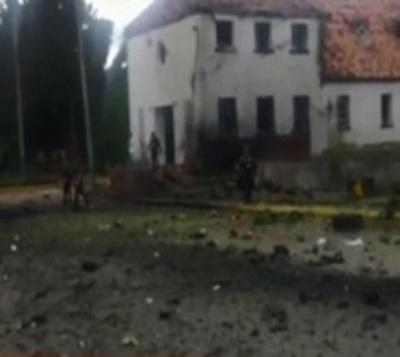 Nueve muertos tras atentado con coche bomba en Colombia