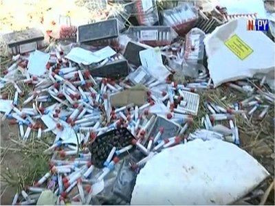 Vecinos denuncian presencia de basura patológica en predio en construcción