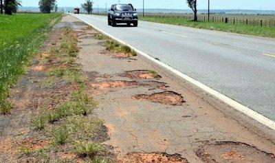 En Rutas 2 y 7 cobran peaje hasta por tramos que no fueron reparados