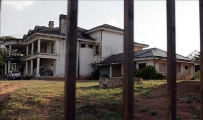 Denuncian a ciudad de Asunción por negar información de mansión de Stroessner