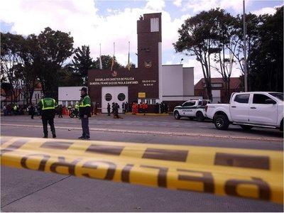 Policía colombiana eleva a 21 la cifra de muertos en atentado