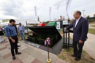 Ferreiro inaugura el primer basurero subterráneo de Asunción