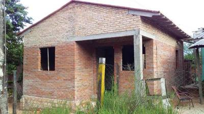 MUVH avanza en la construcción de casi 1.000 viviendas en seis departamentos del país