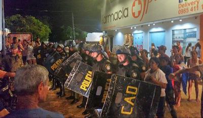 Cien días de manifestaciones contra el intendente Urbieta