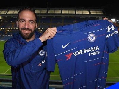 El Chelsea hace oficial la llegada de Higuaín