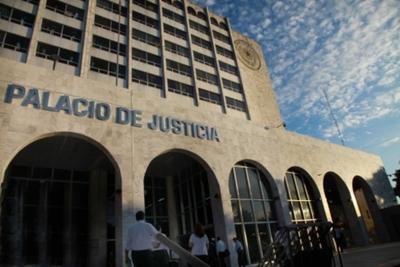 Decisiones de la plenaria extraordinaria de la Corte Suprema de Justicia