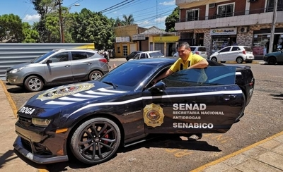 "HOY / Operativo verano: lujoso Camaro de ""Cucho"" patrulla calles de Encarnación"