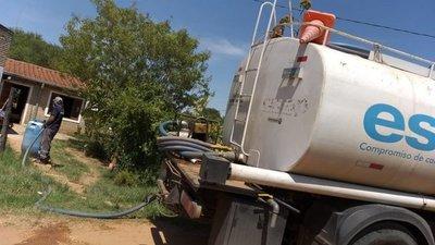 Instalan tanques en barrio El Portal de Limpio