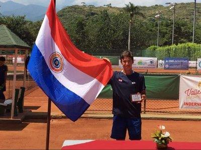Tenista esteño es campeón en Colombia