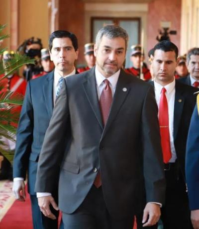 Jefe de Estado inicia su agenda oficial en Palacio de Gobierno