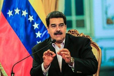 """Maduro califica de """"infantil"""" forma de EE.UU. de dirigir política exterior"""