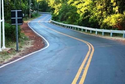 Dan orden de inicio a la construcción de 205 km de asfaltado para Central