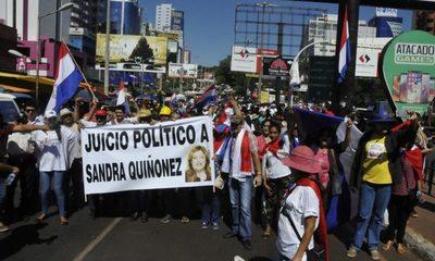 En protesta piden juicio político a Sandra Quiñónez