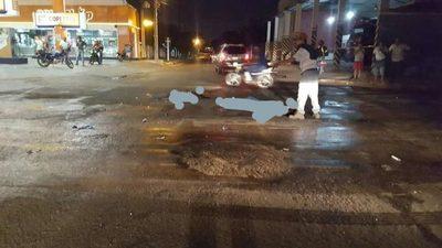 Feroz accidente hace que luego reparen semáforo en Calle'i