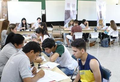 Más de 5.200 postulantes a becas Itaipú serán evaluados el próximo 8 de febrero