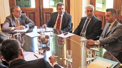 Avanza mesa de trabajo sobre política energética