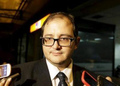 Abogado sostiene que Sandra McLeod debe retomar su cargo