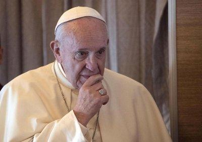 El papa llama a condenar toda violencia que se justifique con la religión