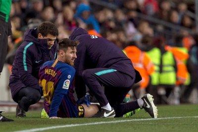 Messi, en duda para el derbi