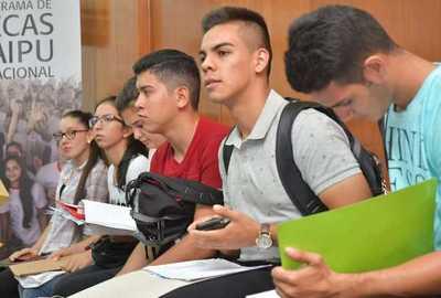 Destacan la importancia de las Becas Itaipú para el desarrollo del país