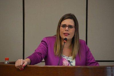 """Kattya González: """"La destitución de McLeod es un hecho consumado"""""""