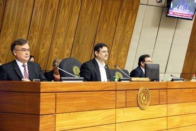 Diputados son convocados para analizar informe de intervención en CDE